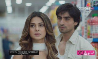 Bepannah – 8. ep. – Zoya i Aditya ugledaju zajedničku sliku Yasha i Pooje u prodavnici!
