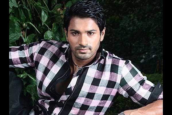 """""""Vishnu"""" je u stvari Akash Chaterjee!"""