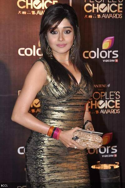 Tina-Dutta-during-Peoples-Choice-Awards-12-held-in-Mumbai-