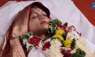 Ek Tha Raja Ek Thi Rani (90. ep.) 26.11.2015. – Gayatri je mrtva?!