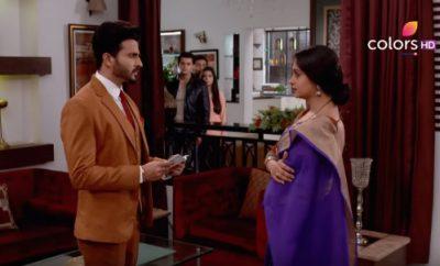 Simar (1609. ep.) 14.09.2016. – Prem dolazi kod Kapoorovih u kuću i daje Simar ček!