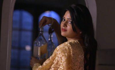 SiddhiVinayak – 270. epizoda – Urvaši sipa nešto u Vinovo piće!