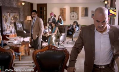 Yeh Pyaar Nahi Toh Kya Hai – 14. epizoda – KK shvata da ga je neko izdao!